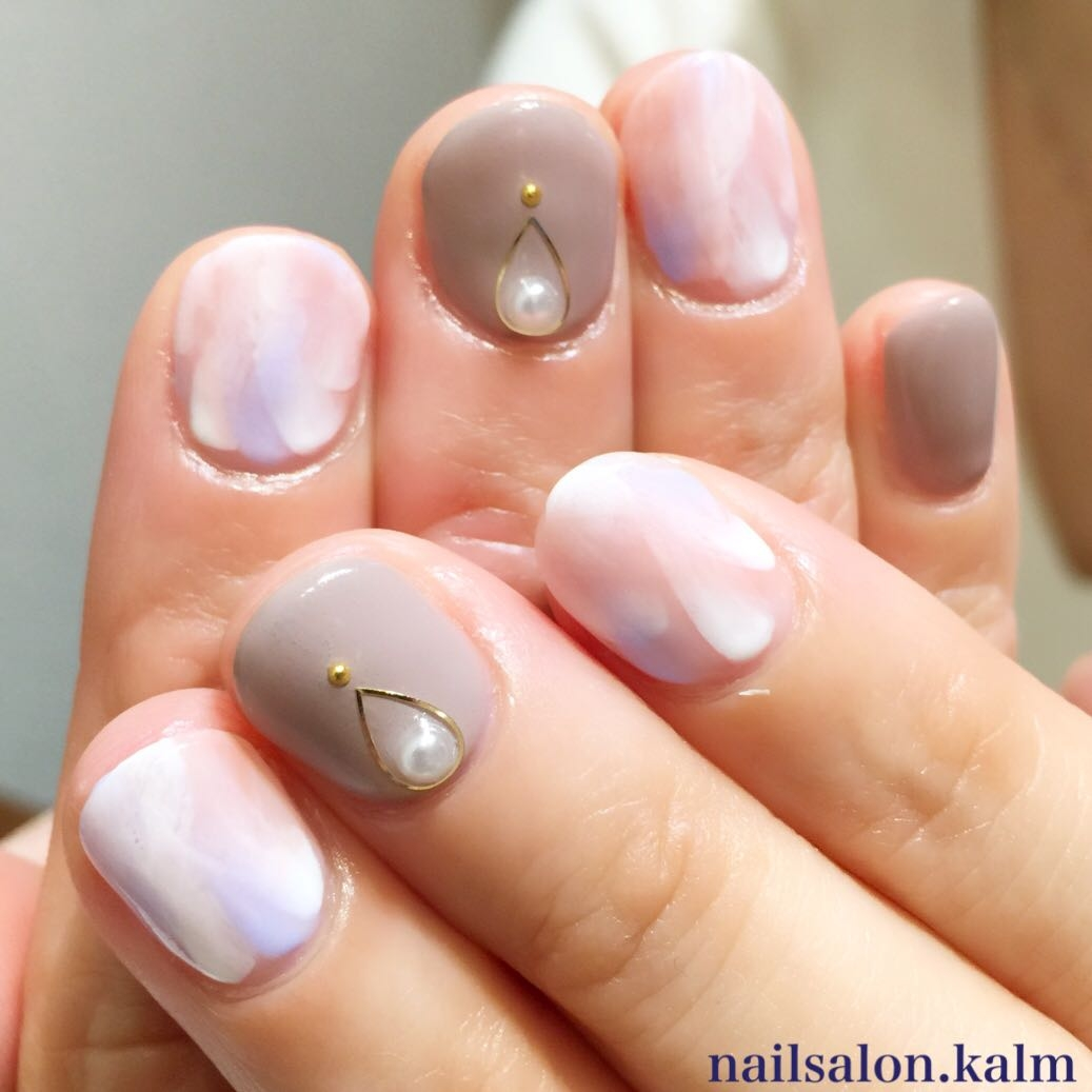 nailsalon.kalmさんのネイルデザインの写真。テーマは『ニュアンスネイル、ネイル』