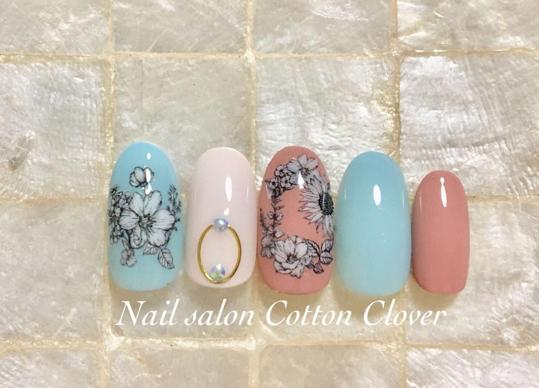 Nail salon Cotton Cloverさんのネイルデザインの写真。テーマは『美甲、布施ネイルサロン、ネイルアート、大人可愛い、オフィスネイル、ワンカラー、大人カラー、nail、大人ネイル、春ネイル、シック、フラワーネイル』