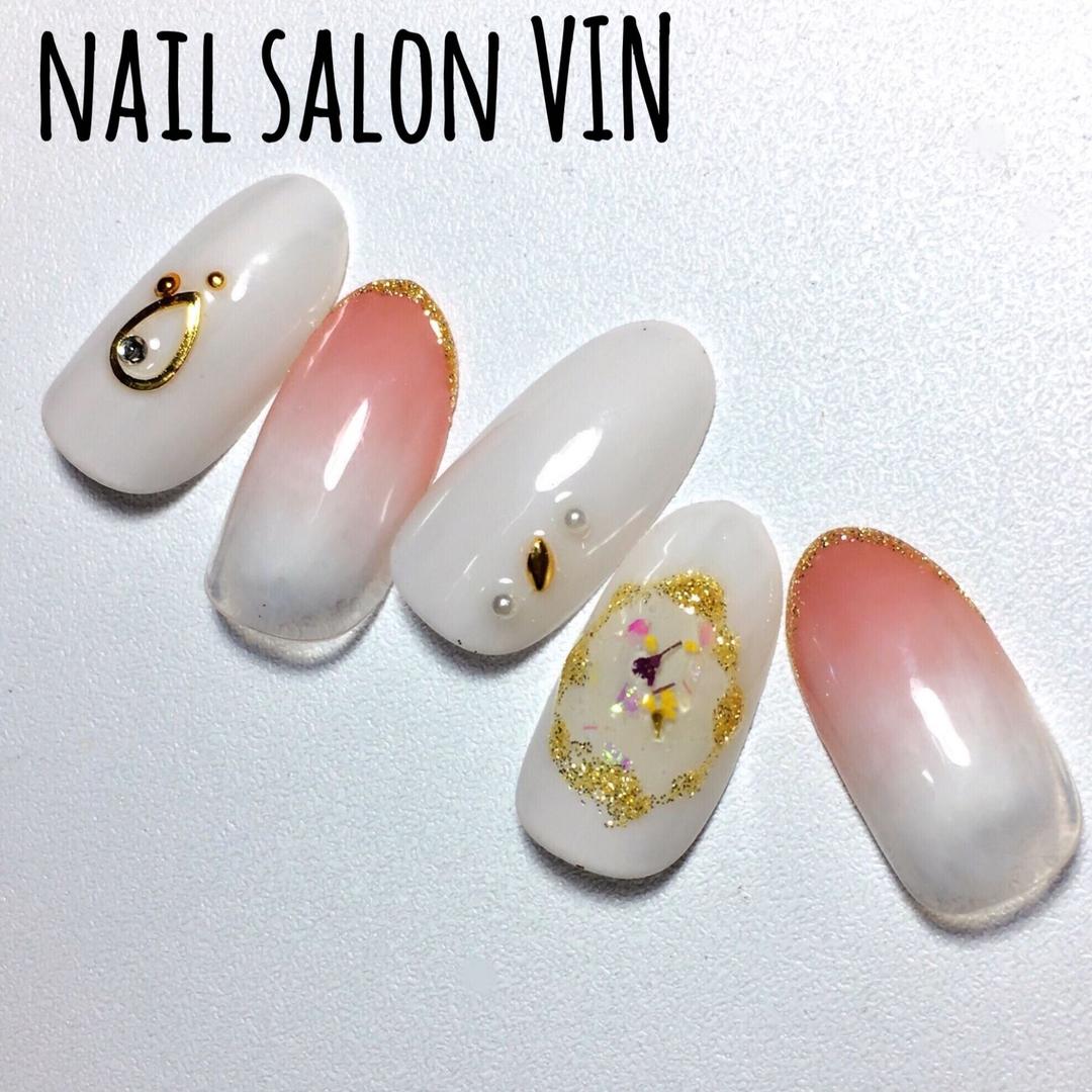 ネイルサロンVIN(ヴィン)さんのネイルデザインの写真。テーマは『gelnail、お客様、ネイル、ネイルサロン、ネイルデザイン、ネイルブック、鹿児島ネイル、天文館ネイル、新屋敷町、naildesign、nails、nail、nailart、nailartist、nailbook、nailsalon、nailstagram、kagoshima、インスタ、上品ネイル、グラデーション、大人ネイル、押し花ネイル、春ネイル、ネイルサロンヴィン』