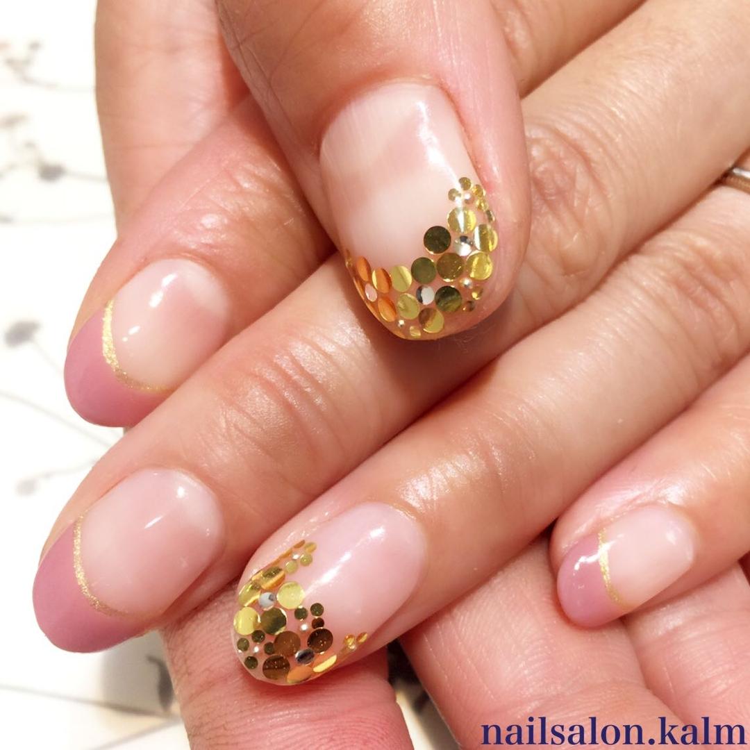 nailsalon.kalmさんのネイルデザインの写真。テーマは『ゴールド、ネイル』