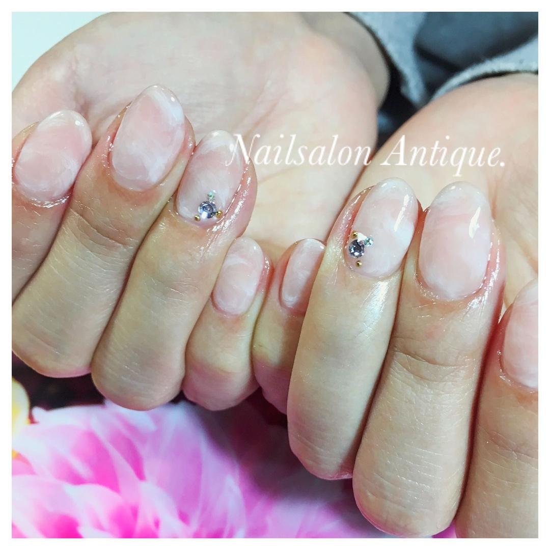 nailsalon Antiqueさんのネイルデザインの写真。テーマは『春ネイル、オフィスネイル、新宿、代々木、代々木ネイル、プライベートサロン、ネイル、ジェル、nail、jel、nailstgram、美甲、gelnails、nailart、ジェルネイル、nails、naildesign、ファッション、ネイルサロン、nailsalon、instanail、design、art、シンプル、大人ネイル、上品ネイル』