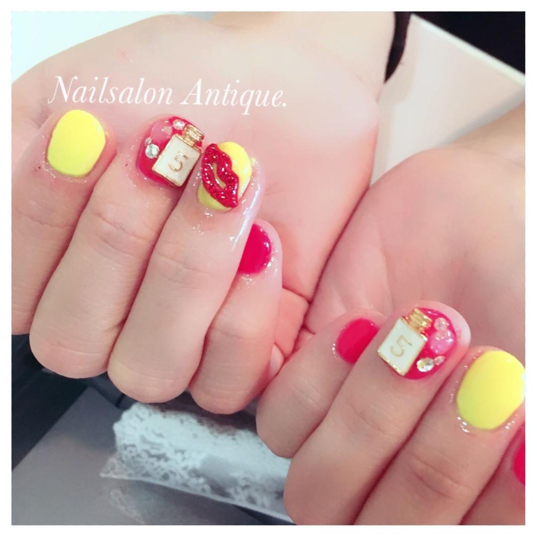 nailsalon Antiqueさんのネイルデザインの写真。テーマは『春ネイル、ネオンカラー、唇、新宿、代々木、代々木ネイル、プライベートサロン、ネイル、ジェル、nail、jel、nailstgram、美甲、gelnails、nailart、ジェルネイル、nails、naildesign、ファッション、ネイルサロン、nailsalon、instanail、design、art、シンプル』