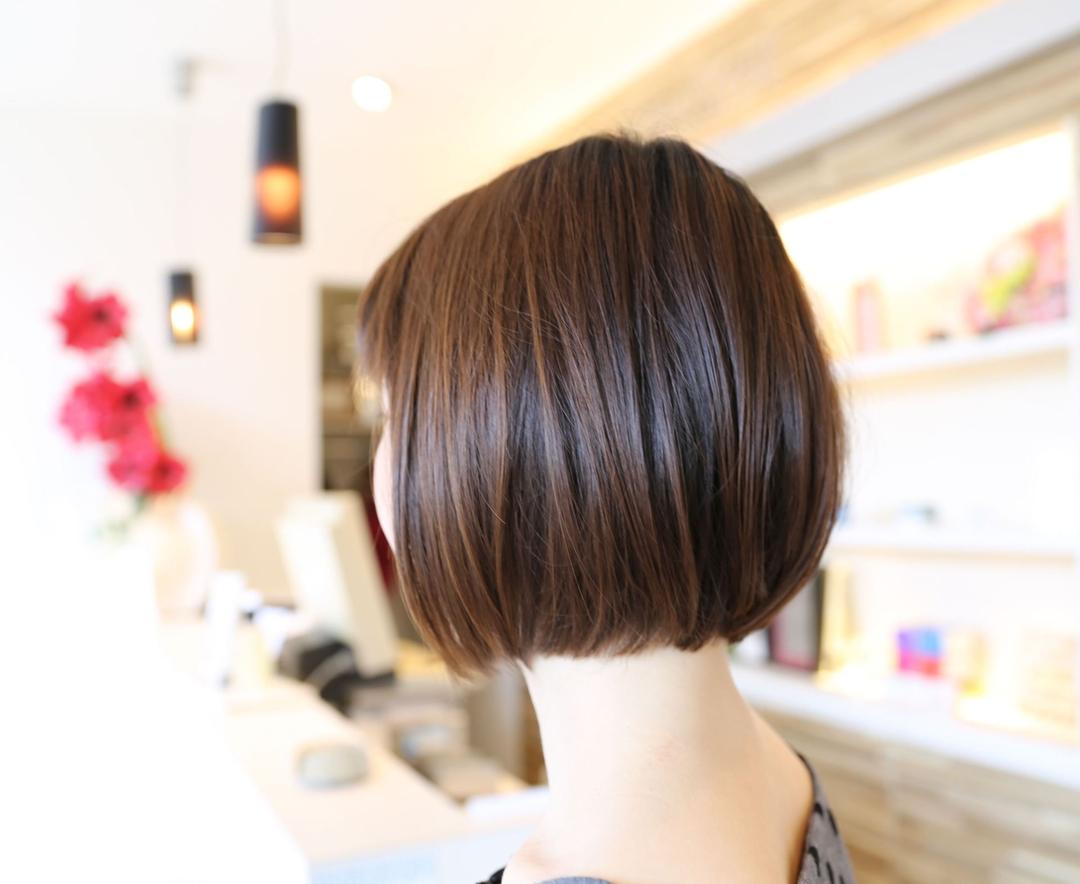 小川雅史さんのヘアスタイルの写真。テーマは『イルミナカラー、ケラスターゼ、ストレートパーマ、ボブ、ミディアム、ショートボブ、seesaw、アッシュ、外国人風カラー、メイク、ネイル、春ヘア』