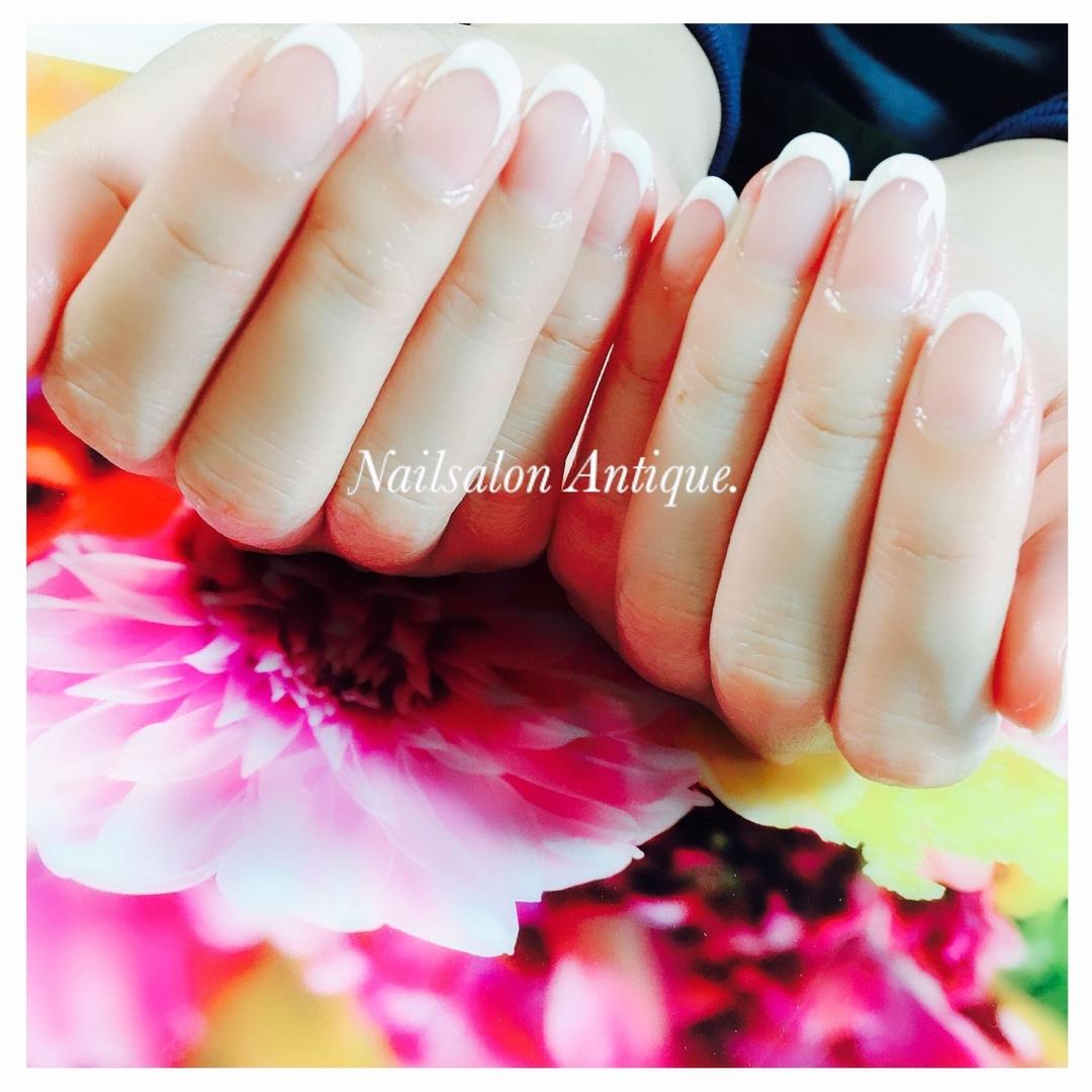 nailsalon Antiqueさんのネイルデザインの写真。テーマは『春ネイル、オフィスネイル、新宿、代々木、代々木ネイル、プライベートサロン、ネイル、ジェル、nail、jel、nailstgram、美甲、gelnails、nailart、ジェルネイル、nails、naildesign、ファッション、ネイルサロン、nailsalon、instanail、design、art、シンプル、大人ネイル、上品ネイル、네일스타그람、네일』