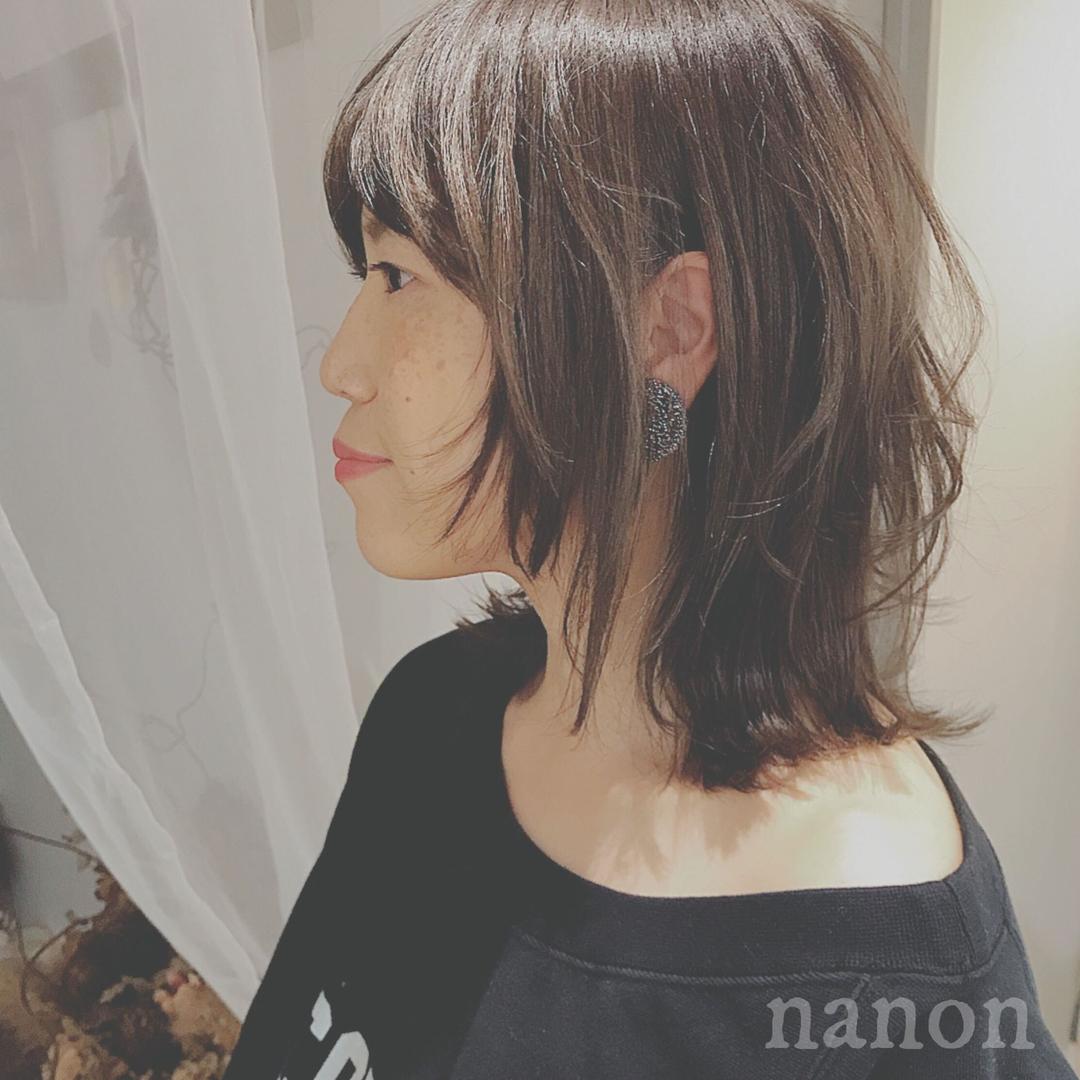 浦川 由起江さんのヘアスタイルの写真。テーマは『ミディアム、ウルフ、ネオウルフ』