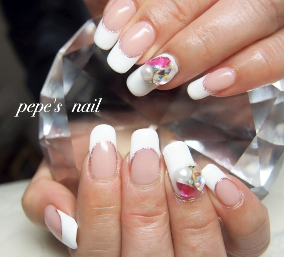 pepe's nailさんのネイルデザインの写真。テーマは『pepesnail、nail、nailart、nailstagram、gelnail、nails、paragel、pregel、vetro、bellaforma、handnail、ネイル、ネイルアート、ハンドネイル、春ネイル、シンプルネイル、オフィスネイル、フレンチネイル、Vカット、自宅ネイル、大分市』