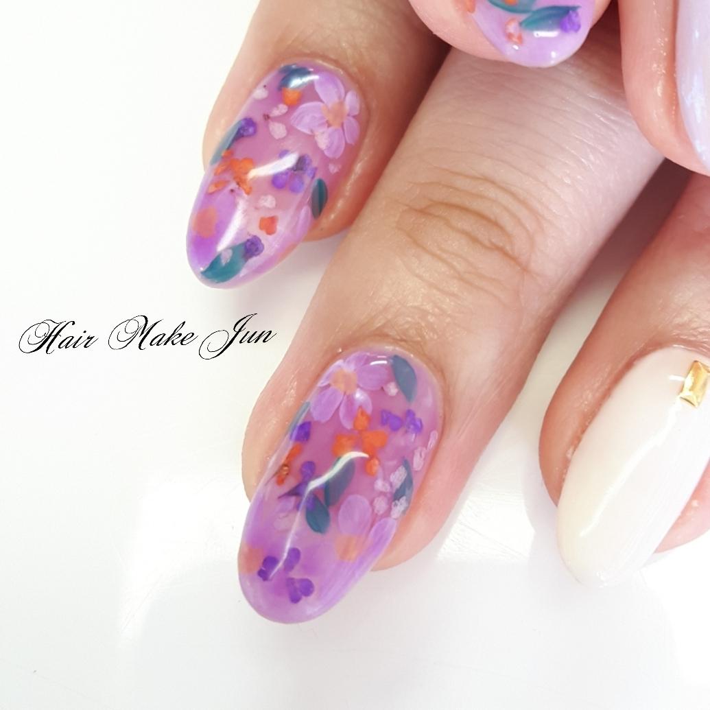 nailist.mioさんのネイルデザインの写真。テーマは『押し花ネイル、フラワーネイル、ネイルアート、ジェルネイル、HairMakeJun、春デザイン、春ネイル、ピンクネイル、美爪、美甲、手描きアート』