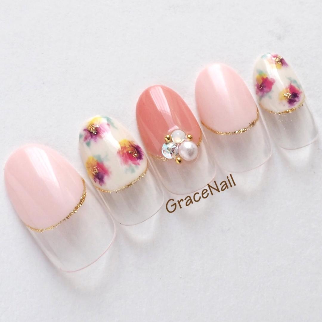 GraceNailさんのネイルデザインの写真。テーマは『ピンク、花柄ネイル、パステルカラー、春ネイル、フラワー、手描きアート』