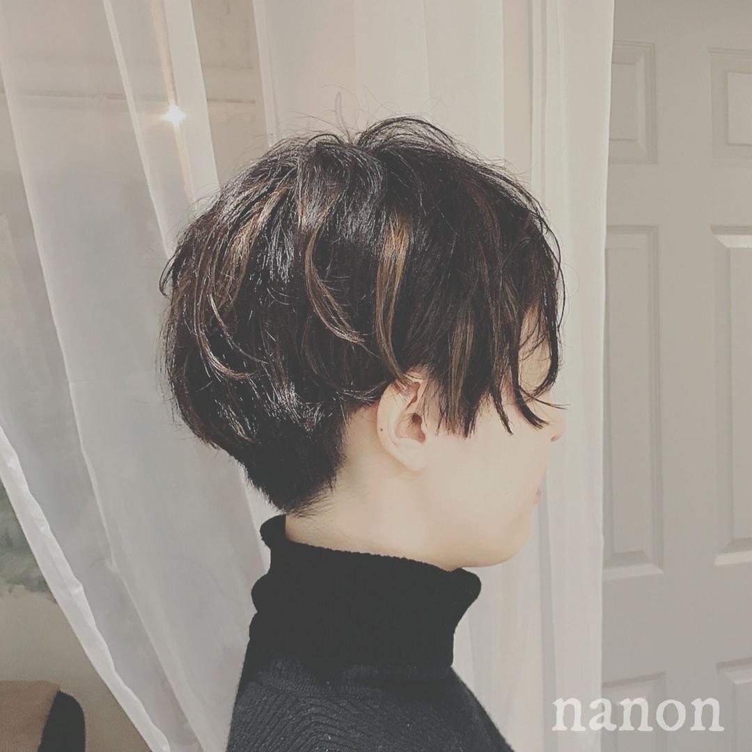 浦川 由起江さんのヘアスタイルの写真。テーマは『ショート、外国人風カラー、ハイライト』