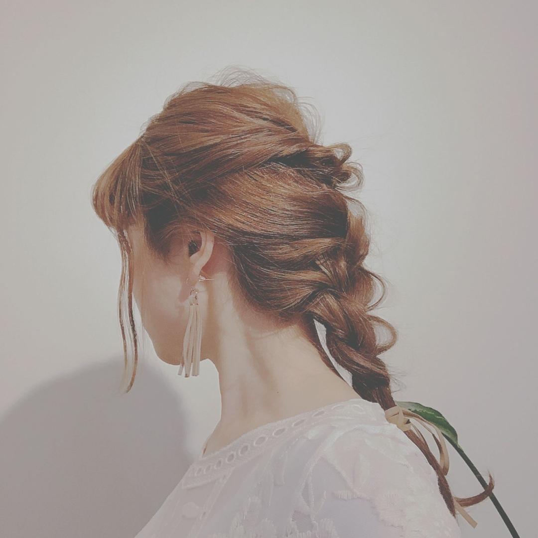 浦川 由起江さんのヘアスタイルの写真。テーマは『ヘアアレンジ、編み込み、くるりんぱ』