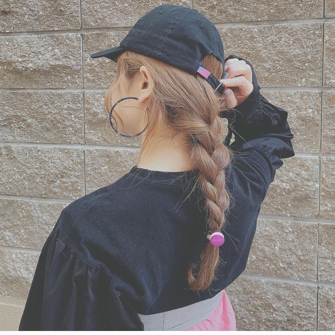 浦川 由起江さんのヘアスタイルの写真。テーマは『キャップヘアアレンジ、三つ編み、ヘアアレンジ、arrange』