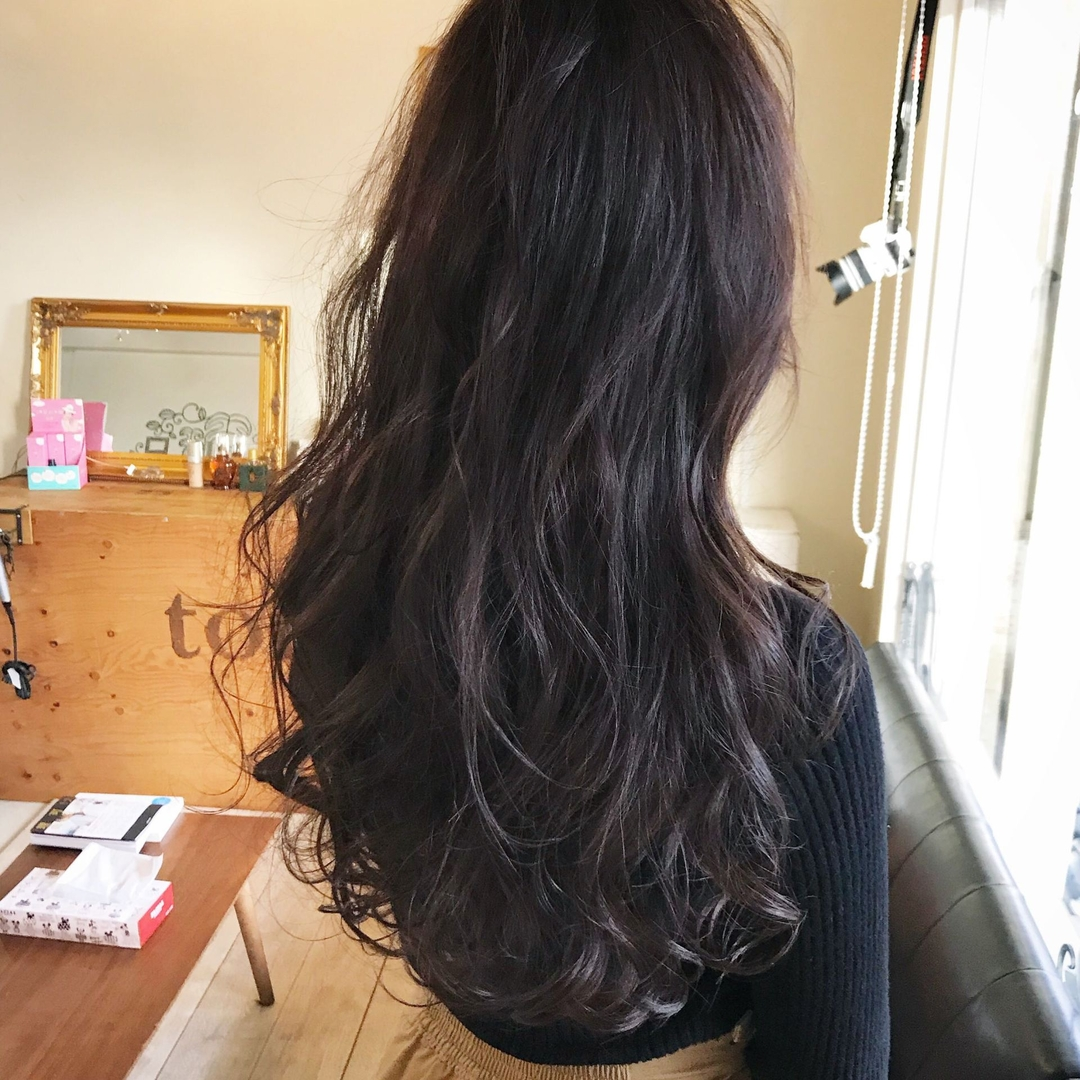 YUSUKE NAKAMURAさんのヘアスタイルの写真。テーマは『ラベンダー、グレー、アッシュ』
