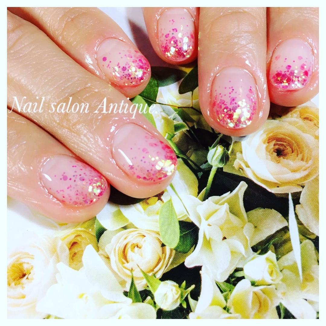 nailsalon Antiqueさんのネイルデザインの写真。テーマは『春ネイル、オフィスネイル、新宿、代々木、代々木ネイル、プライベートサロン、ネイル、ジェル、nail、jel、nailstgram、美甲、ジェルネイル、nails、naildesign、ファッション、ネイルサロン、nailsalon、instanail、design、art、シンプル、大人ネイル、上品ネイル』