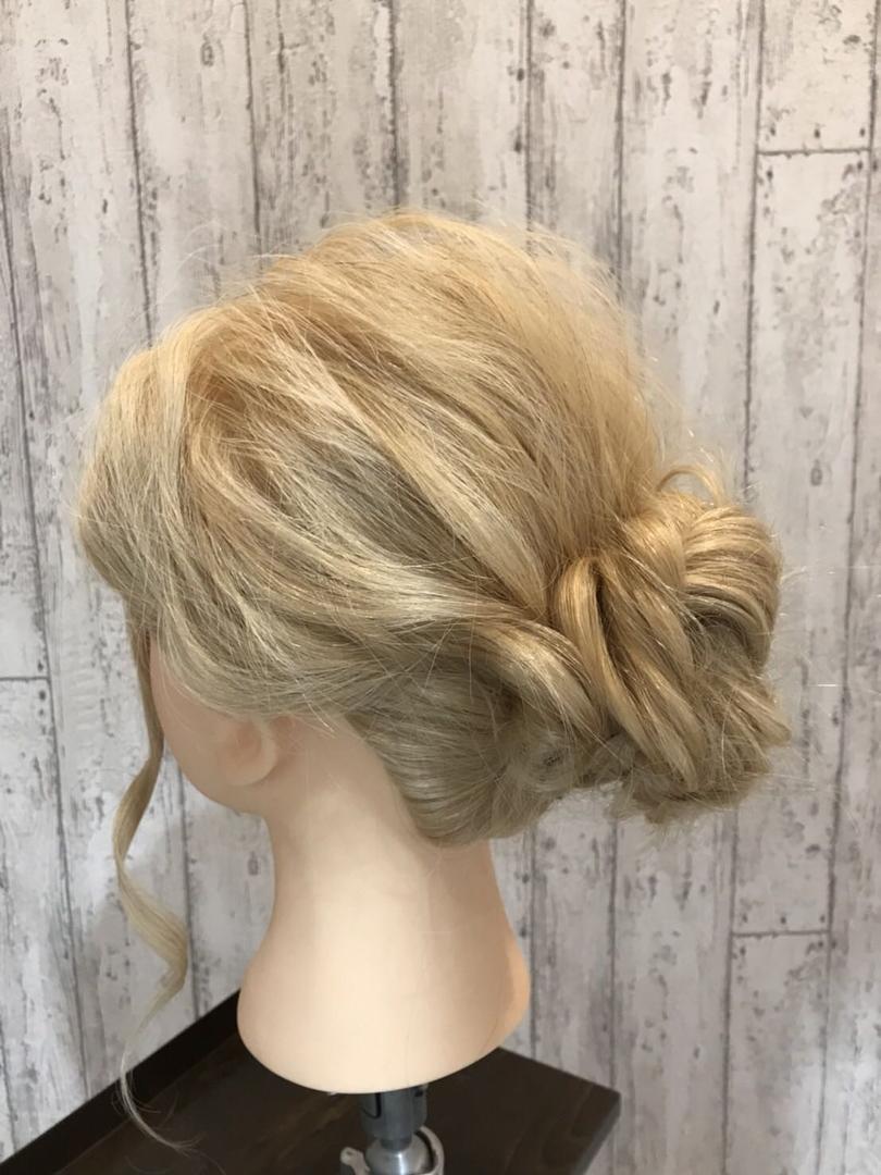 hair Blancoさんのヘアスタイルの写真。テーマは『美容室浜松、浜松、サロンモデル募集、美容室、美容院、サロモ、イルミナカラー、アシスタント募集、アディクシー、ブルージュ、グレージュ、オリージュ、グラデーション、バレイヤージュ、ハイライト、外国人風カラー、デザインカラー、エヌドット、ミルボン、モロッカンオイル、カラーシャンプー、グレーパール、テールカラー、hairBlanco、ヘアーブランコ、hairblanco浜松、ヘアーブランコ浜松』