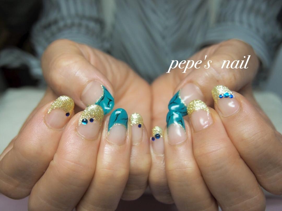 pepe's nailさんのネイルデザインの写真。テーマは『pepesnail、nail、nailart、nailstagram、gelnail、nails、paragel、pregel、vetro、bellaforma、handnail、ネイル、ネイルアート、ハンドネイル、春ネイル、フレンチネイル、逆フレンチ、ターコイズ、自宅ネイル、大分市』