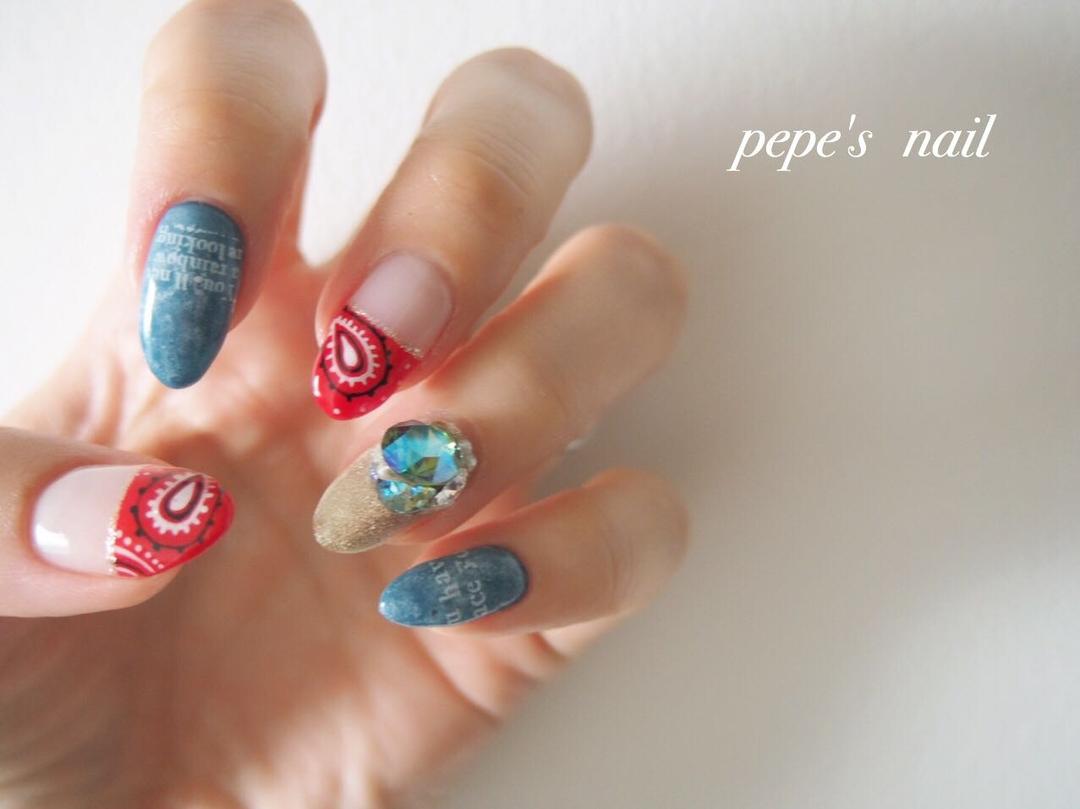 pepe's nailさんのネイルデザインの写真。テーマは『pepesnail、nail、nailart、nailstagram、gelnail、nails、paragel、pregel、vetro、bellaforma、handnail、mynail、mynails、マイネイル、ネイル、ネイルアート、ハンドネイル、手描きアート、ペイズリー、ペイズリーネイル、フレンチ、ワンカラー、自宅ネイル、大分市』