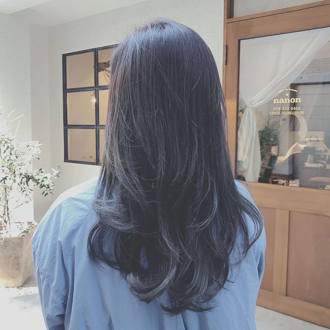浦川 由起江さんのヘアスタイルの写真。テーマは『ブルージュ』