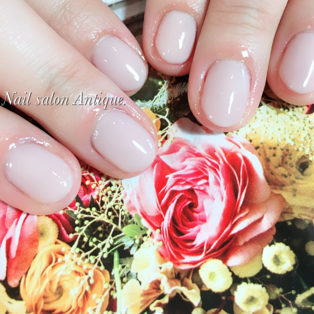 nailsalon Antiqueさんのネイルデザインの写真。テーマは『春ネイル、スキンカラー、お肌、オフィスネイル、新宿、代々木、代々木ネイル、プライベートサロン、ネイル、ジェル、nail、jel、nailstgram、美甲、gelnails、nailart、ジェルネイル、nails、naildesign、ファッション、ネイルサロン、nailsalon、instanail、design、art、シンプル、大人ネイル、上品ネイル』
