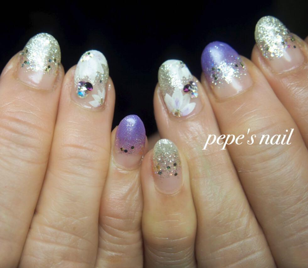 pepe's nailさんのネイルデザインの写真。テーマは『pepesnail、nail、nailart、nailstagram、gelnail、nails、paragel、pregel、vetro、bellaforma、handnail、ネイル、ネイルアート、ハンドネイル、グラデーション、Vカットストーン、パール、サンプルから、自宅ネイル、大分市』