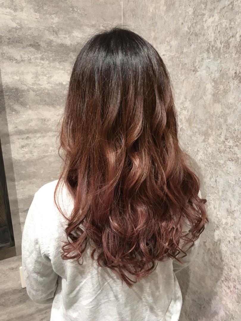 hair Blancoさんのヘアスタイルの写真。テーマは『美容室浜松、浜松、美容師、美容室、イルミナカラー、アディクシーカラー、グレージュ、グラデーション、バレイヤージュ、ハイライト、外国人風カラー、ダブルカラー、デザインカラー、モロッカンオイル、テールカラー、ヘアーブランコ、hairblanco浜松、カフェ、likes、青空、instalike、instagood』