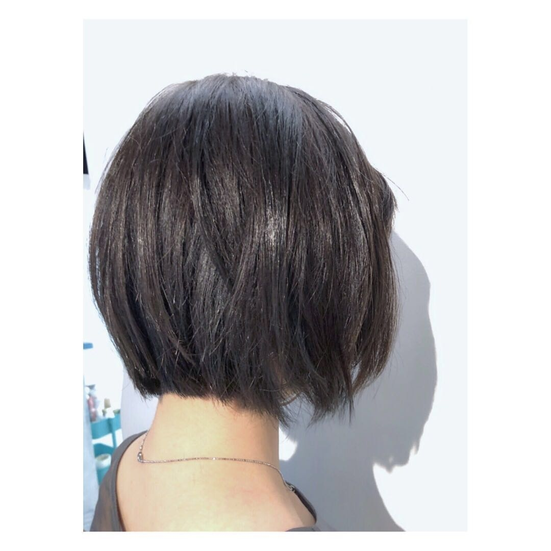 Hiroshiさんのヘアスタイルの写真。テーマは『ボブ、ダークアッシュ、表参道、表参道美容室、ヘアカラー、グラデーション』