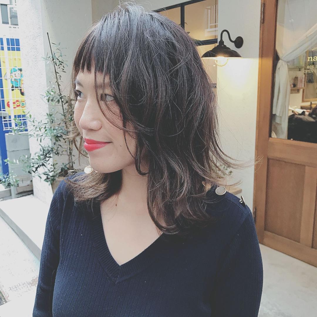 浦川 由起江さんのヘアスタイルの写真。テーマは『ネオウルフ、グラデーションカラー、外国人風カラー』