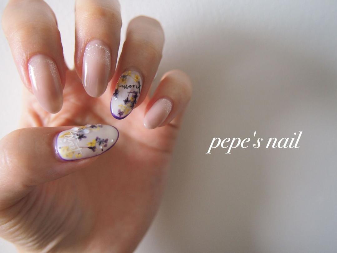 pepe's nailさんのネイルデザインの写真。テーマは『pepesnail、nail、nailart、nailstagram、gelnail、nails、mynail、paragel、pregel、vetro、bellaforma、handnail、ネイル、ネイルアート、ワンカラー、グラデーション、ドライフラワー、マイネイル、ハンドネイル、自宅ネイル、大分市』