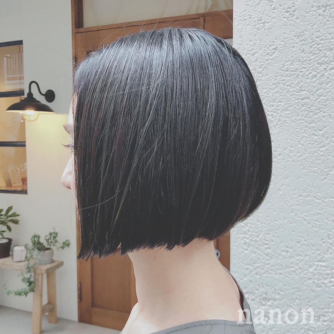 浦川 由起江さんのヘアスタイルの写真。テーマは『前下がりボブ、暗髪、外国人風カラー』