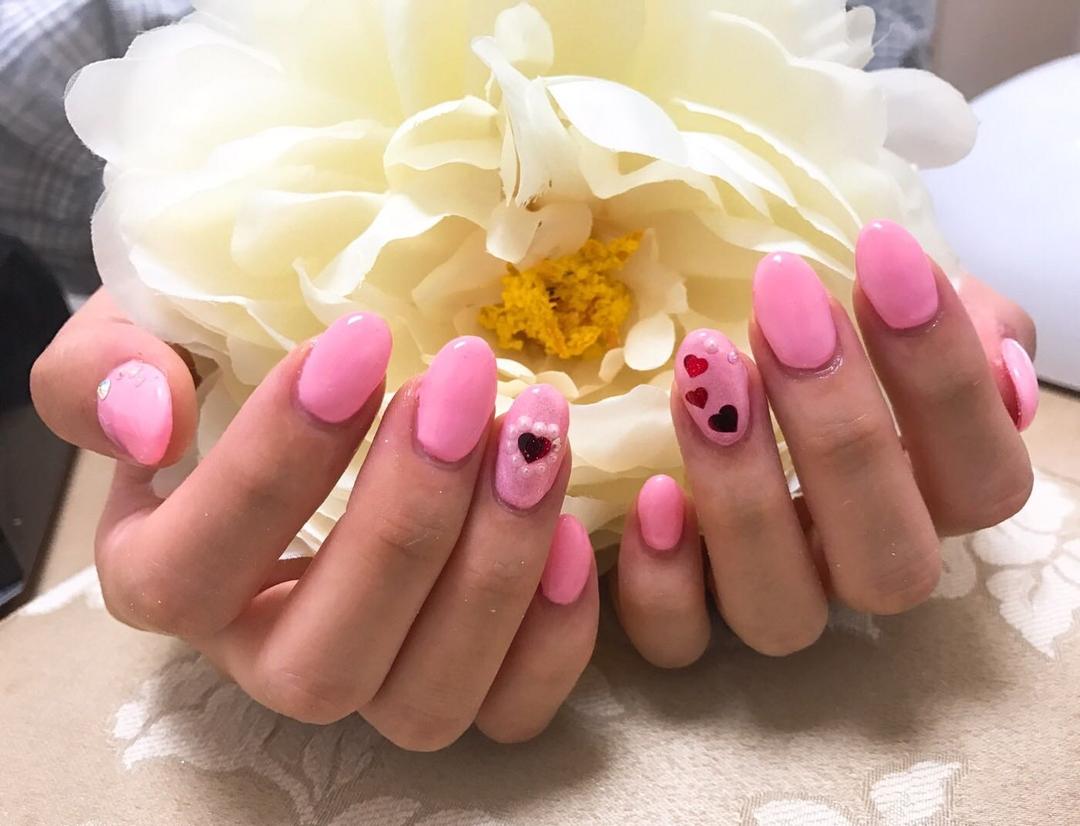Miss cleoさんのネイルデザインの写真。テーマは『ピンクネイル、ハートネイル、ラブリーネイル』