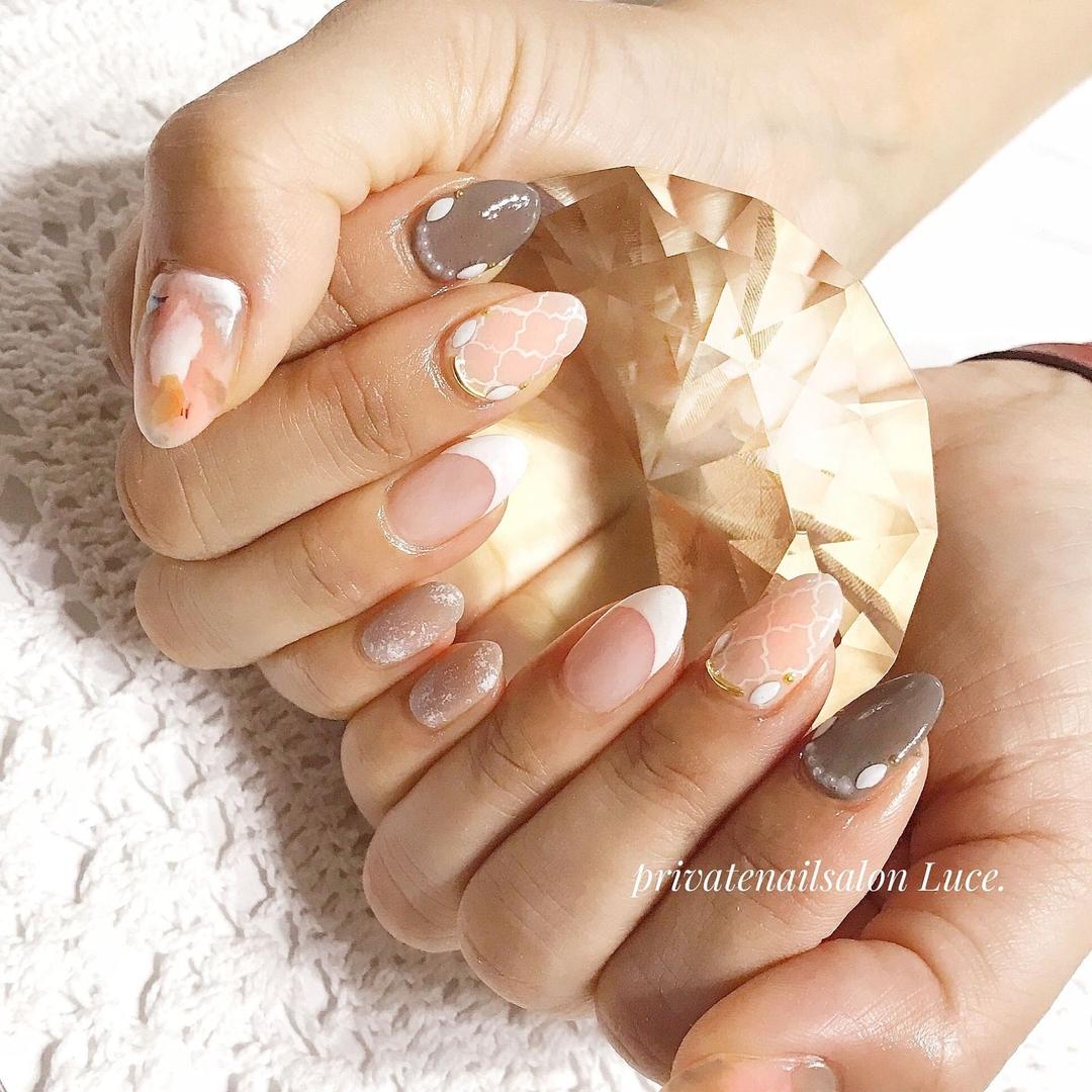 private nail salon Luce.さんのネイルデザインの写真。テーマは『ネイル、ジェルネイル、gel、nail、nailart、💅、flower、タイダイ、タイル柄、マーブル、モロッコネイル、フレンチ、大人ネイル、大人可愛い、お洒落、美爪、Nailbook、tredina、nailistagram、お客様ネイル、🏡、自宅サロン、お家ネイル、Luce.、奈良』
