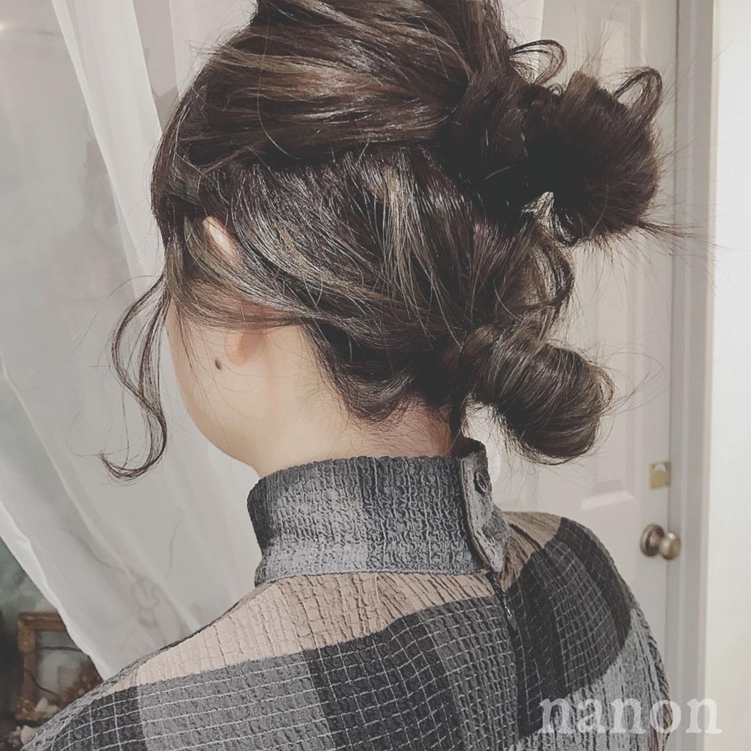 浦川 由起江さんのヘアスタイルの写真。テーマは『ヘアアレンジ、おだんごヘア、ハイライト、外国人風カラー、アッシュグレー』