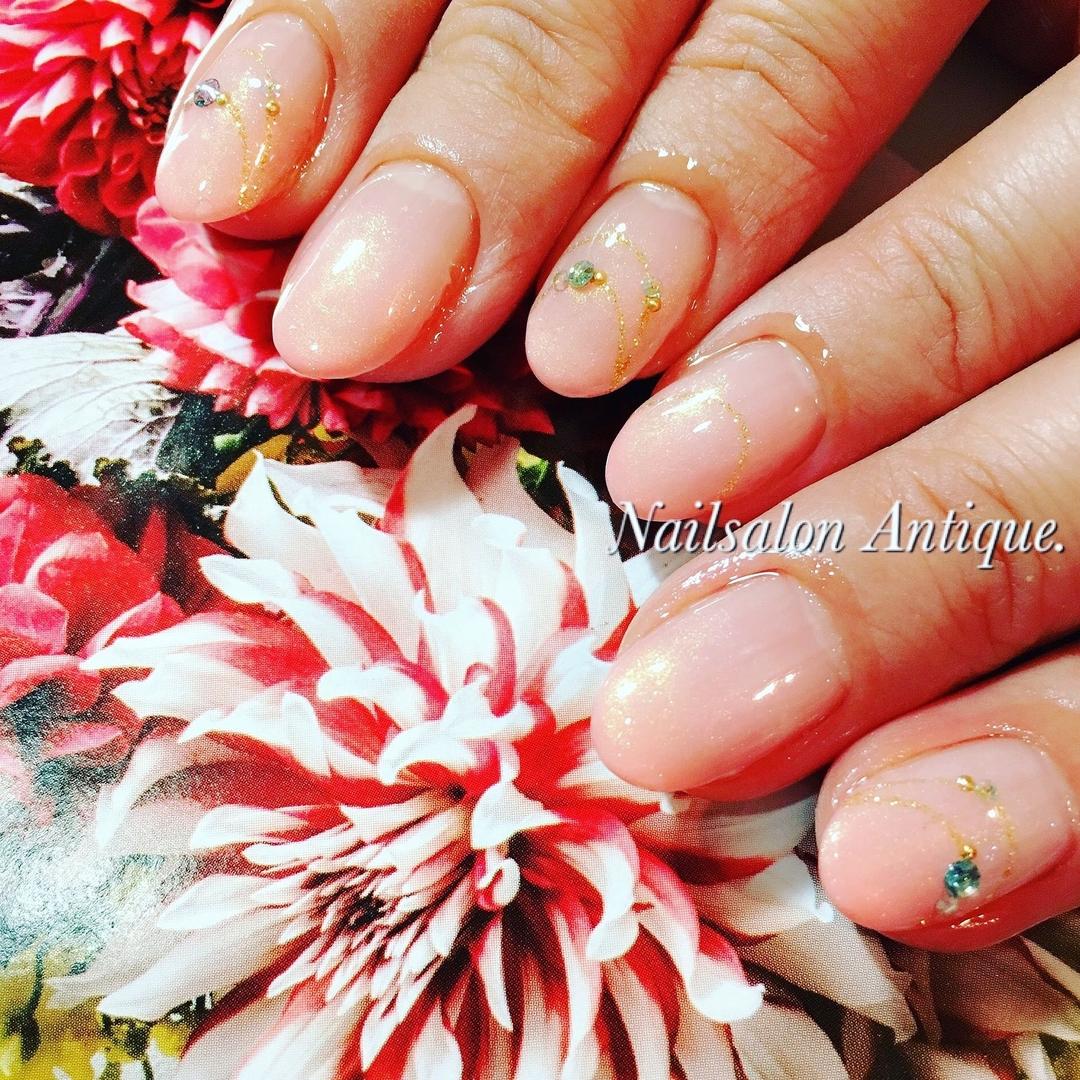 nailsalon Antiqueさんのネイルデザインの写真。テーマは『フィルイン、アクセサリー、ストーン、オフィスネイル、シンプルネイル、新宿、代々木、代々木ネイル、プライベートサロン、ネイル、ジェル、nail、jel、nailstgram、美甲、gelnails、nailart、ジェルネイル、nails、naildesign、ファッション、ネイルサロン、nailsalon、instanail、design、art』