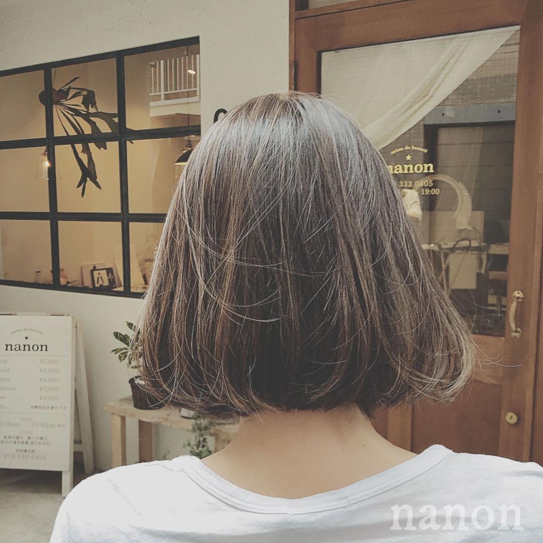 浦川 由起江さんのヘアスタイルの写真。テーマは『ハイライト、外国人風カラー、マットグレージュ』