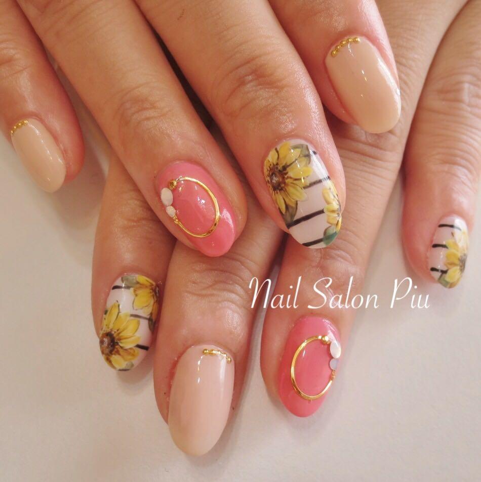 Nail Salon Piuさんの写真。テーマは『夏ネイル、ひまわりネイル』