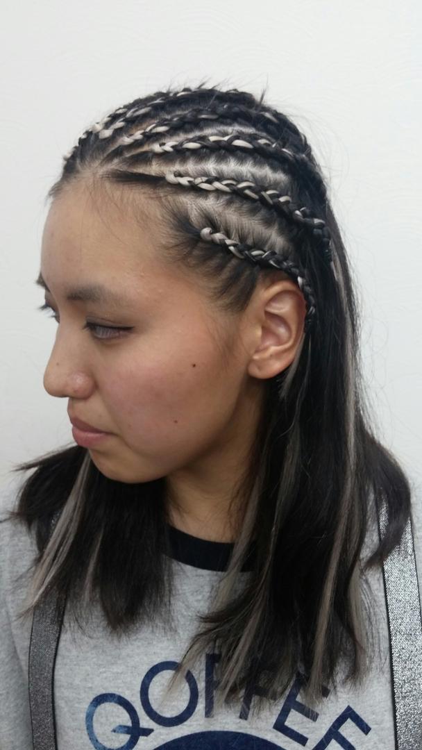 ゴーさんのヘアスタイルの写真。テーマは『編み込みヘア』