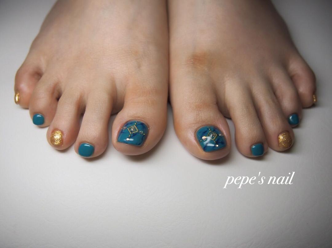 pepe's nailさんのネイルデザインの写真。テーマは『pepesnail、nail、nailart、nailstagram、gelnail、nails、paragel、pregel、vetro、bellaforma、handnail、footnail、ネイル、ネイルアート、夏ネイル、フットネイル、ターコイズ、ワンカラー、大理石ネイル、自宅サロン、自宅ネイルサロン、大分市』