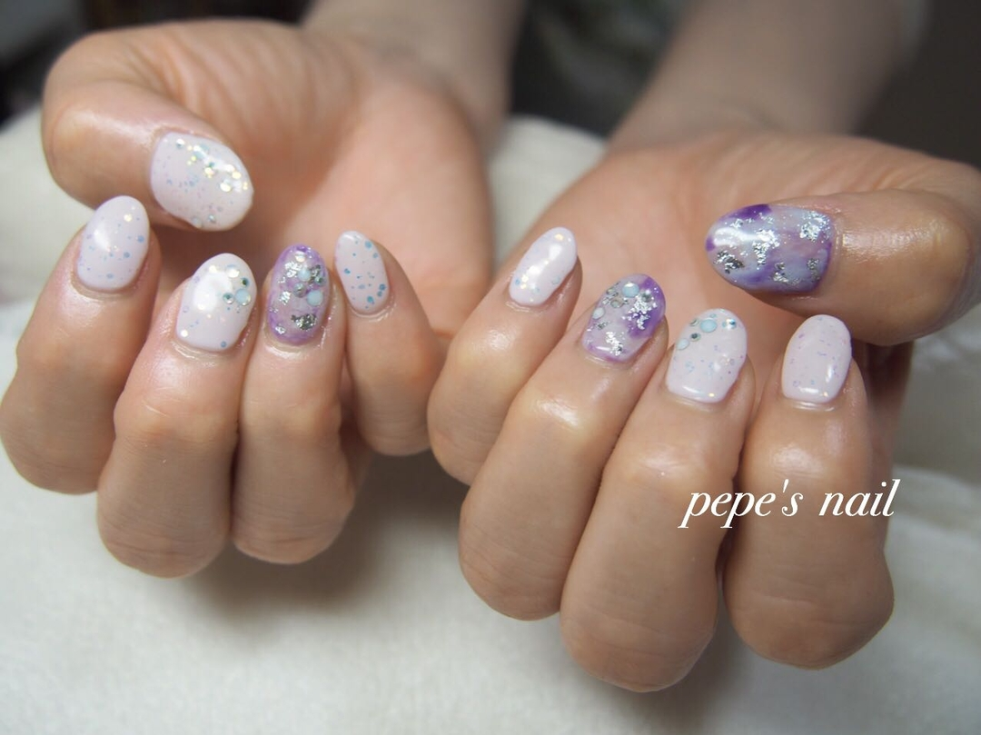 pepe's nailさんのネイルデザインの写真。テーマは『pepesnail、nail、nailart、nailstagram、gelnail、nails、paragel、pregel、vetro、bellaforma、handnail、ネイル、ネイルアート、ホログラム、タイダイ柄、夏ネイル、ハンドネイル、自宅ネイル、大分市』