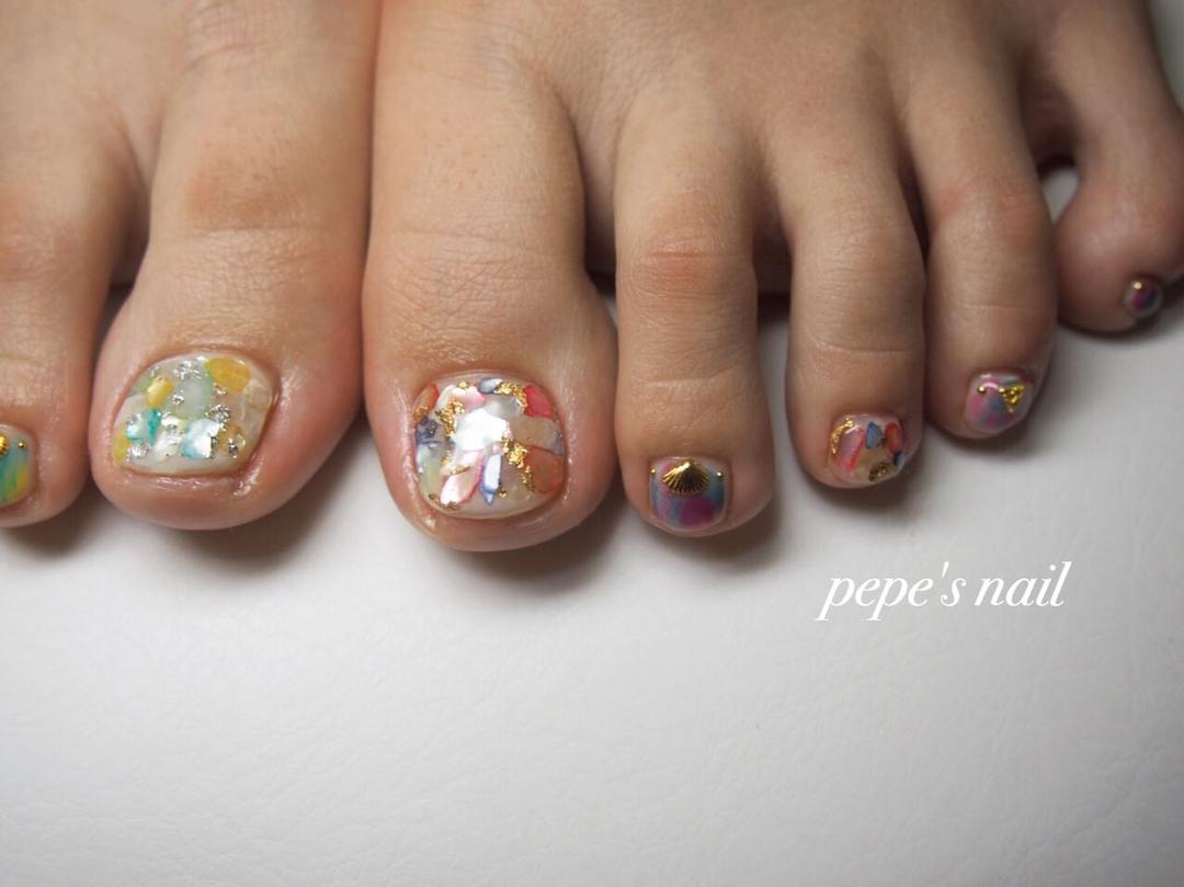 pepe's nailさんのネイルデザインの写真。テーマは『pepesnail、nail、nailart、nailstagram、gelnail、nails、paragel、pregel、vetro、bellaforma、handnail、ネイル、ネイルアート、夏ネイル、フットネイル、シェルストーン、ニュアンスネイル、アシンメトリーネイル、アシンメトリー、自宅ネイル、大分市』