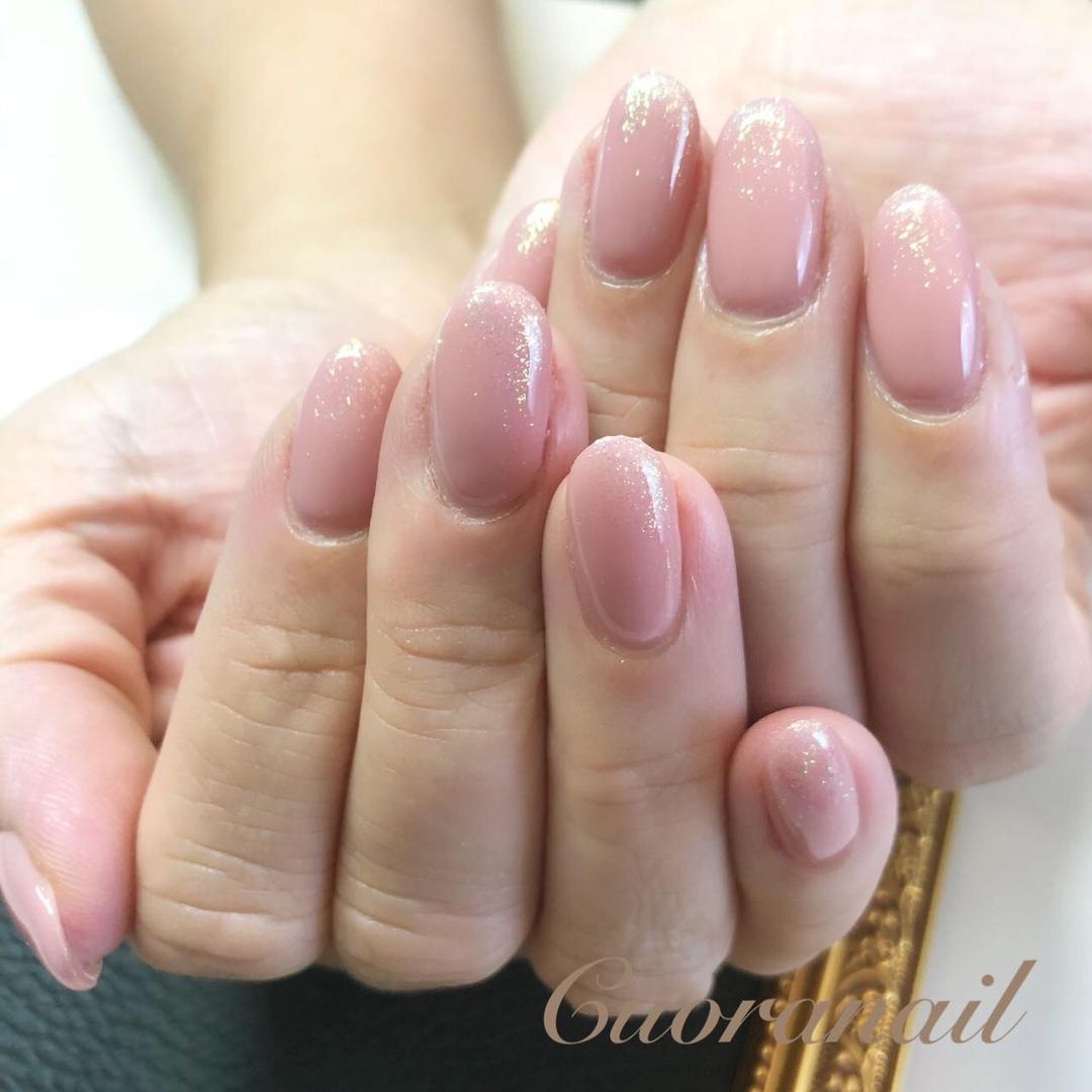Cuoranailさんのネイルデザインの写真。テーマは『ネイルブック、kokoist、e19、マーメイドパウダー、ワンカラー、オフィスネイル、キラキラネイル、究極のワンカラー、ロシアンマニキュアビット、ココイスト、ネイル、ネイルアート、ネイルデザイン、マーメイドパウダーグラデ、nail、nails、nails💅、nailart、naildesign、nailstagram、nailcare、帯広ネイル、帯広ネイルサロン、帯広、帯広東、札内、幕別、音更、十勝、北海道』
