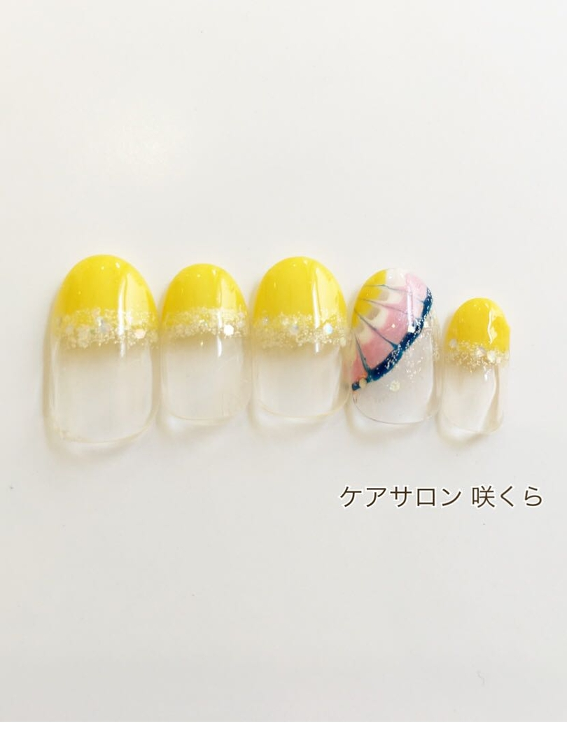 ケアサロン 咲くらさんのネイルデザインの写真。