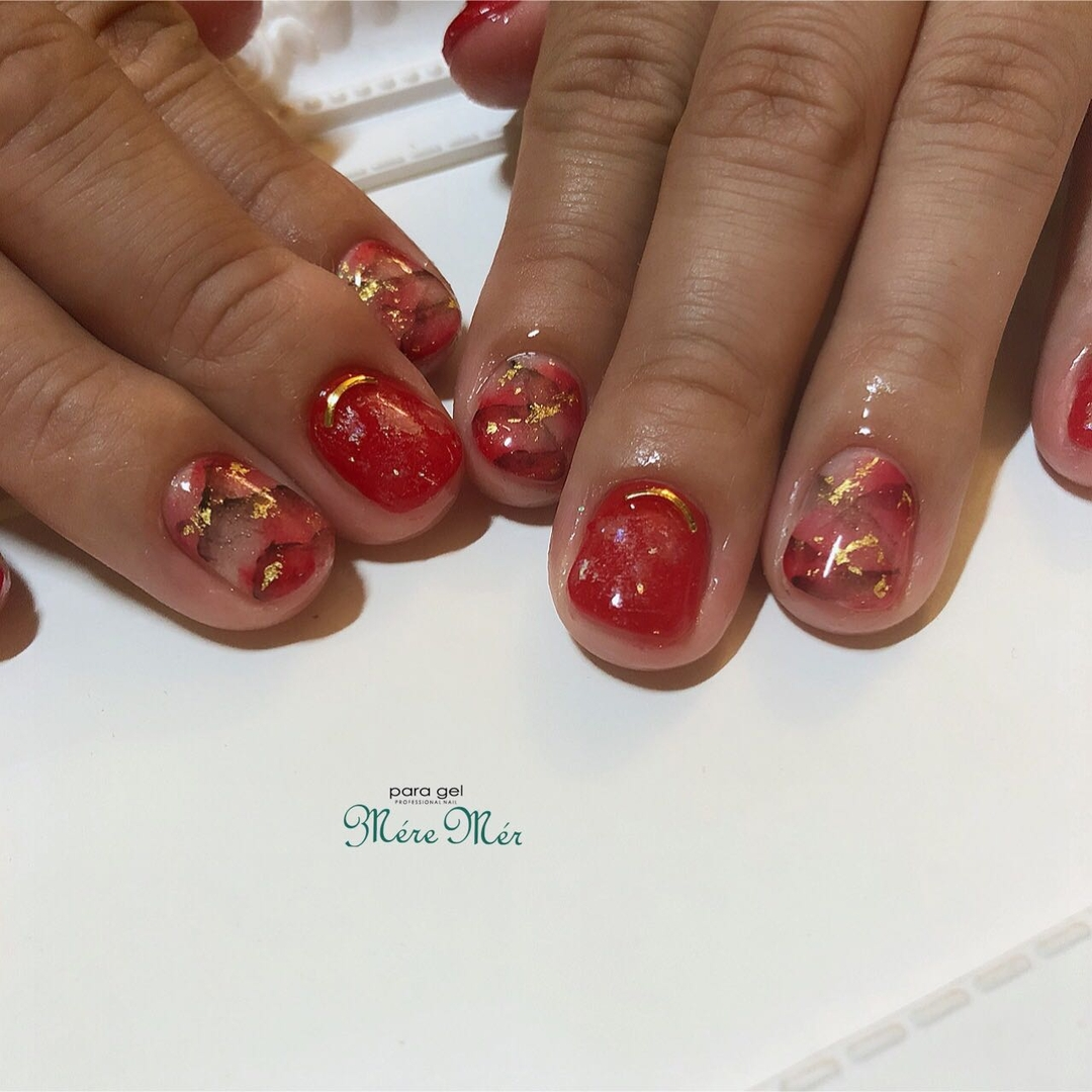 Satomi Kawamitsuさんのネイルデザインの写真。テーマは『大人ネイル、トレンド、パラジェル、赤』
