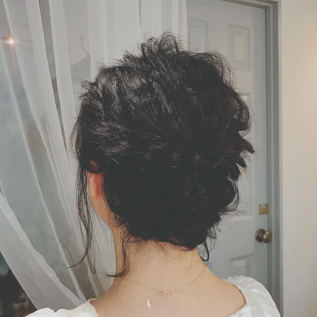 浦川 由起江さんのヘアスタイルの写真。テーマは『アレンジ、へアアレシンジ』