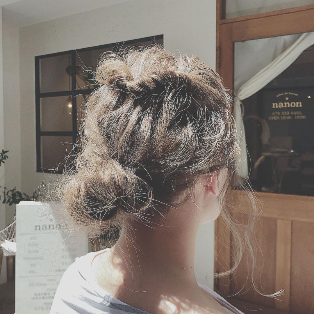 浦川 由起江さんのヘアスタイルの写真。テーマは『ヘアアレンジ、外国人風カラー、ブルージュ、おだんごヘア、プライベートサロン』