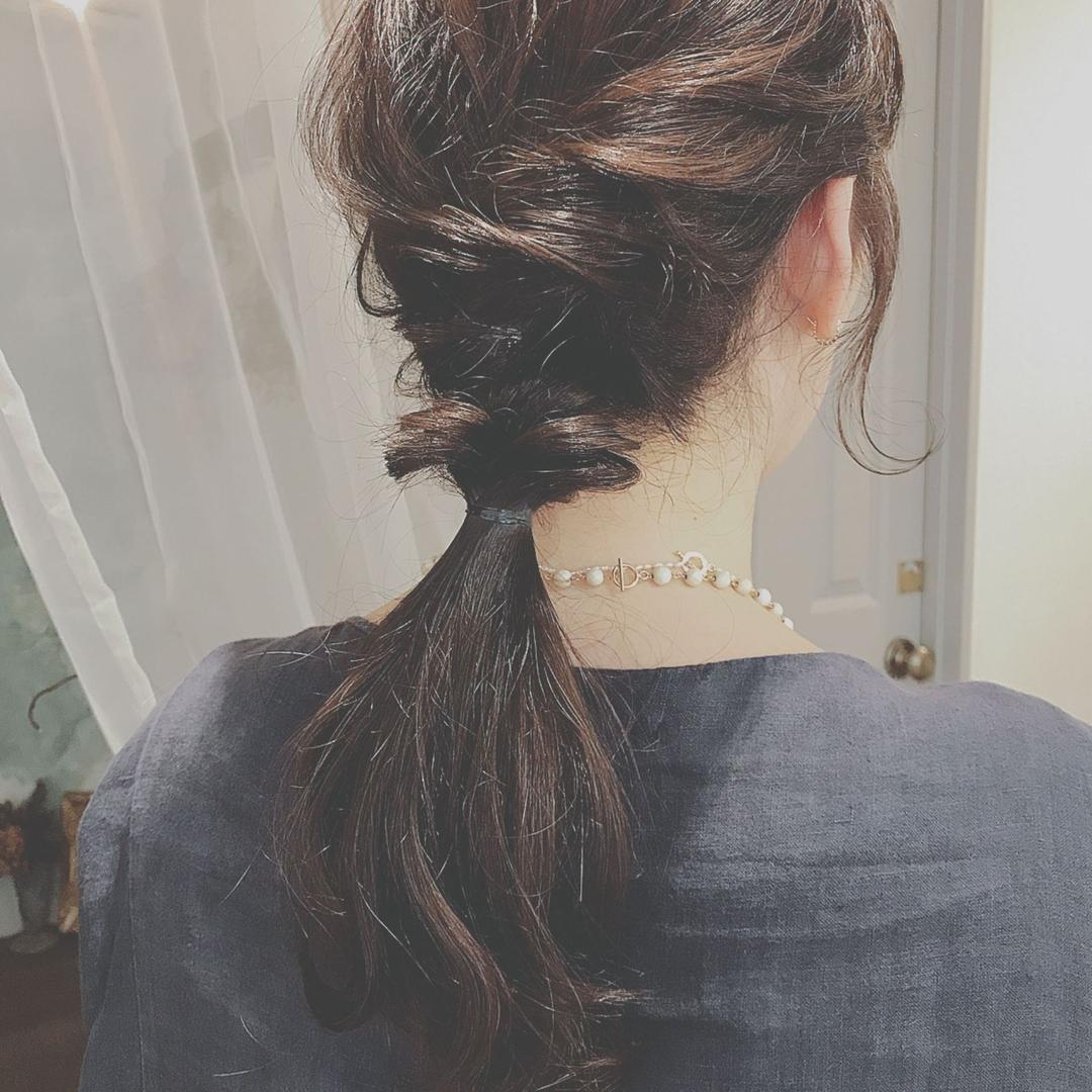 浦川 由起江さんのヘアスタイルの写真。テーマは『簡単ヘアアレンジ、ヘアアレンジ、プライベートサロン』