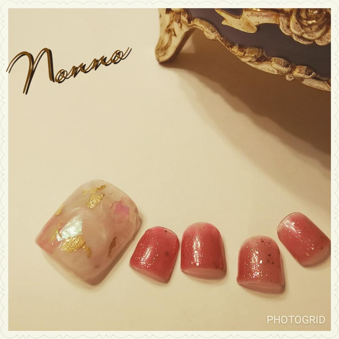 nonnoさんのネイルデザインの写真。テーマは『秋ネイル、ジェルネイル、ネイル、ネイルサロン、フットネイル、新宿ネイルサロン、西新宿、新宿、美甲、指甲、nail、nailart、nailsalon、parajel、パラジェル、自爪を削らない、nails、パラジェル登録サロン、Nonno、nonno、天然石ネイル、Shinjuku、Japan』