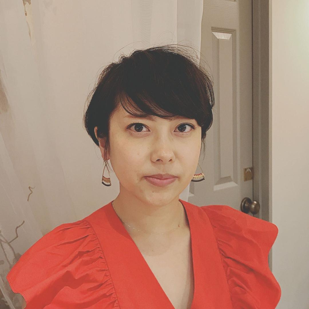 浦川 由起江さんのヘアスタイルの写真。テーマは『ショート、プライベートサロン』