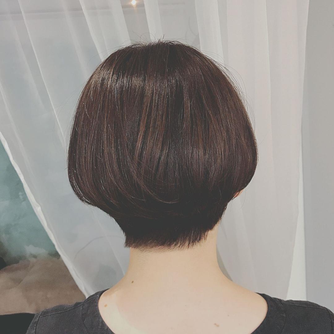 浦川 由起江さんのヘアスタイルの写真。テーマは『ショートボブ、ショート、プライベートサロン』