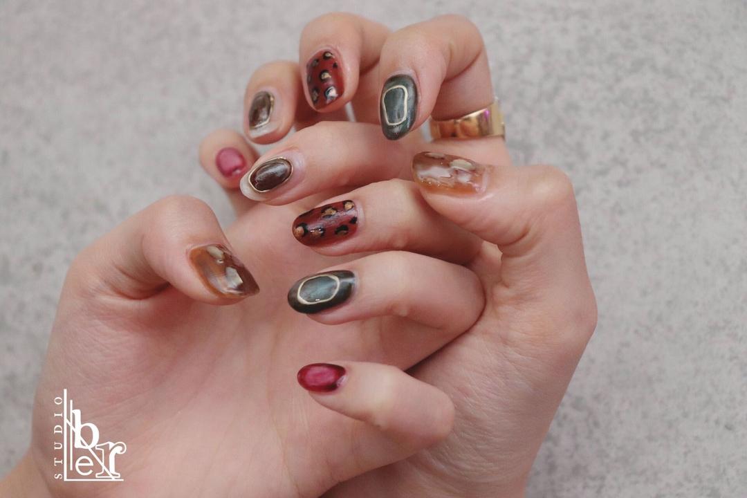 nailstudioLiberネイリストNAOKIさんのネイルデザインの写真。テーマは『ネイル、ニュアンスネイル、秋ネイル、メンズネイリスト、メンズネイリストNAOKI』