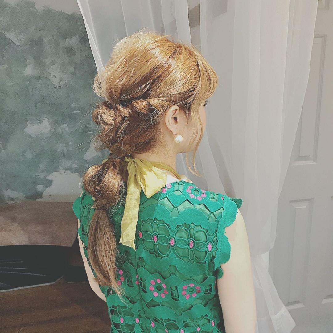 浦川 由起江さんのヘアスタイルの写真。テーマは『ヘアアレンジ、列席ヘア、編みおろし、プライベートサロン』