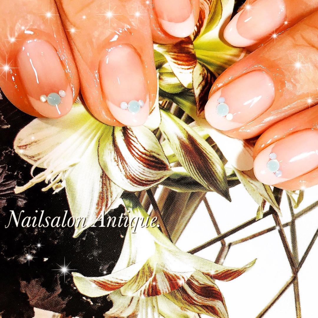 nailsalon Antiqueさんのネイルデザインの写真。テーマは『ベイクドカラー、新宿、新宿ネイル、代々木、代々木ネイル、代々木ネイルサロン、ネイルサロン、オフィスネイル、大人ネイル、上品ネイル、秋ネイル、ウェディング、ウェディングネイル、ジェルネイル、swarovski、nail、jel、nailstagram』